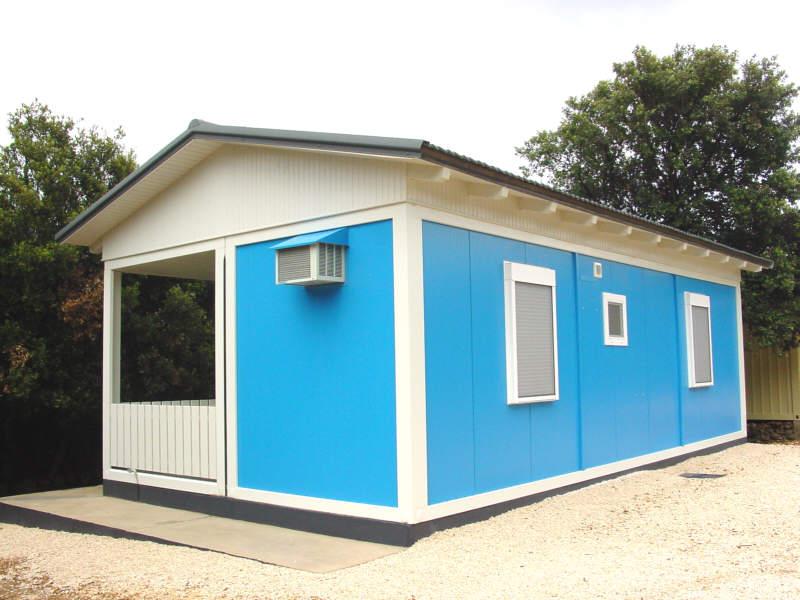 wochenendhaus ferienhaus containerhaus von schmidt container hochwertige container zu. Black Bedroom Furniture Sets. Home Design Ideas
